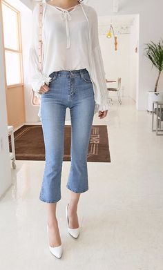 Cropped jeans are a must have for all seasons!
