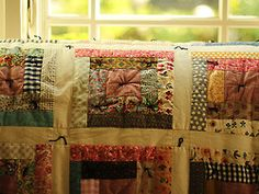 Can't wait to someday make quilts like this. love earthy bright colors with cream base for quilts. Quilting Projects, Quilting Designs, Sewing Projects, Quilting Ideas, Scrappy Quilts, Baby Quilts, Tie Quilt, Quilt Pillow, Log Cabin Quilts