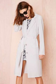 We love the classic lines and tone of this coat.  Great for those sunny days turned chilly nights.