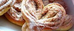 Kynutá srdíčka s ořechovou, makovou nebo nutelovou nádivkou Beignets, Valentines Food, Croissants, Sweet Bread, Onion Rings, Apple Pie, Sweet Tooth, French Toast, Bakery