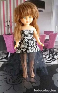 vestido segun patron Andrea Morros con añadido de tul para Nancy cosido a mano, muñeca no incluida Harajuku, Fashion, Vestidos, Spanish Modern, Hand Sewing, Tulle, Antigua, Toys, Patterns
