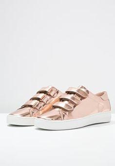 Chaussures MICHAEL Michael Kors CRAIG - Baskets basses - rose-gold or rose: 150,00 € chez Zalando (au 28/08/16). Livraison et retours gratuits et service client gratuit au 0800 915 207.
