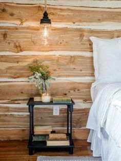 Paredes rústicas de madera Accent Wall Bedroom, Bedroom Decor, Bedroom Ideas, Accent Walls, Wall Decor, Bedroom Lighting, Wood Wall In Bedroom, Ceiling Lighting, Design Bedroom