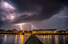 Thunder And Lightning, Opera House, Building, Travel, Thunder And Lighting, Viajes, Buildings, Traveling, Trips