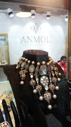 How To Choose Jewelry Royal Jewelry, India Jewelry, Diamond Jewelry, Indian Accessories, Indian Wedding Jewelry, Jewelry Patterns, Necklace Designs, Statement Jewelry, Jewelry Collection