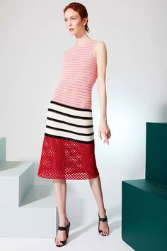 Crochet Patterns Dress Novis Resort 2017 fashion show - Pre-Spring-Summer 2017 collection, shown Ju. Beau Crochet, Moda Crochet, Crochet Lace, Cruise Fashion, Fashion 2017, Runway Fashion, Trendy Fashion, Fashion Show Dresses, Dress Fashion