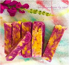 Blueberry-Mango Marble Froyo Bars Recipe is a colorful recipe that has blueberry froyo and goodness of mangoes in a single dessert bar with low sugars. Mango Dessert Recipes, Mango Recipes, Blueberry Recipes, Desserts, Eat Dessert First, Dessert Bars, Mango Tiramisu Recipe, Falooda Recipe, Holi Recipes