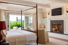 Master bedroom with fireplace Colonial Style House Exuding Calmness by Patrick Ahearn Architect Discount Bedroom Furniture, Interior Architecture, Interior Design, Colonial Style Homes, Bedroom Fireplace, Suites, Home Decor Bedroom, Bedroom Ideas, Bedroom Inspo
