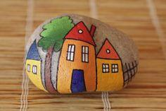 peinture sur galet / malovaný kámen - domečky ručně malovaný kámen akrylátovými barvami, fixováno mat. lakem ve spreji, průměrná velikost 5-6cm
