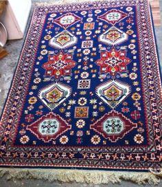 Verkaufe hier ein super schöner handgeknüpfter Orient Teppich aus der Provinz Schriwan. Maße 207 X 138 der Teppich ist im Super Zustand! Bei Interesse anschreiben oder Tel: 0157 88373253
