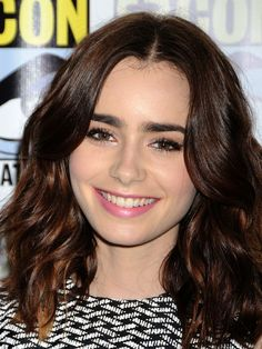 Lily Collins' top 10 hair and makeup looks: Comic-Con, 2013 http://beautyeditor.ca/2013/10/02/lily-collins-makeup-and-hair/