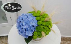 Nouveau Sourire - invitatii vor zambi cu siguranta vazand acest aranjament http://www.florariafleurblanche.ro/produs/nouveau-sourire