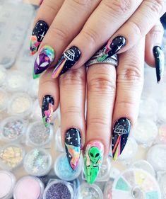Disney Acrylic Nails, Best Acrylic Nails, Acrylic Nail Designs, Stylish Nails, Trendy Nails, Hippie Nails, Alien Nails, Dragon Nails, Cow Nails