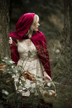 I am going to be Little Red Riding Hood for Halloween.I lover red Fantasy Wolf, Fantasy Art, Dark Fantasy, Costume Carnaval, Charles Perrault, Red Ridding Hood, Fantasy Photography, Fairy Tale Photography, Forest Photography