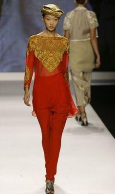 Pakistani designer Maheen Khan takes the catwalk