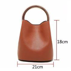 e207a7ab46 Round Wooden Handle Bucket Bag – LoomRack Maroquinerie, Sac Seau, Arrondi
