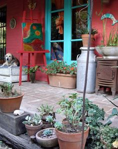 porch plants, Painting spot, old rusted stuff, fun! Outdoor Rooms, Outdoor Gardens, Outdoor Living, Outdoor Decor, Mexican Hacienda, Mexican Style, Porch Plants, Red Walls, Interior Exterior