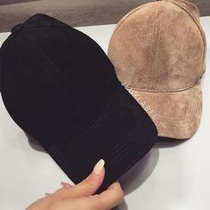 pintetest L a u r e n H o s i e r Junior Outfits, Cute Outfits, Dope Hats, Stylish Caps, Hat Hairstyles, Baseball Hats, My Style, Womens Fashion, Snapback