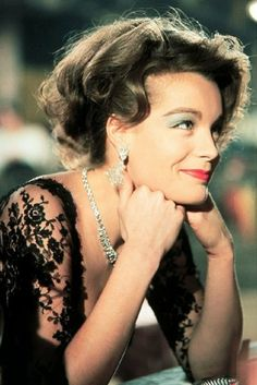 "Romy in ""Die Sieger""8 Romy Schneider, Very Beautiful Woman, Beautiful Eyes, Sissi, Divas, Sarah Biasini, Teresa Wright, Leslie Caron, Le Talent"