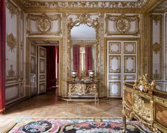 Renaissance, Chateau Hotel, Large Tapestries, The Royal Collection, Palace Of Versailles, Louis Xiv, Parquet Flooring, The Masterpiece, Marquetry
