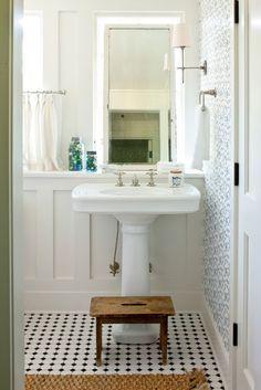 floor, mirror, boiserie, wallpaper