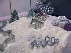 Creative Playhouse: Winter Wonderland Sensory Tray For the snow use rice, flour, a little sugar and a little glitter.