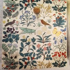 kyndellwalshApothecary's Garden Wallpaper. I need this.