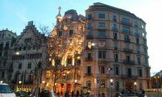 Then you walk along Passeig de Gracia...and, suddenly, Casa Battlo. Wow!