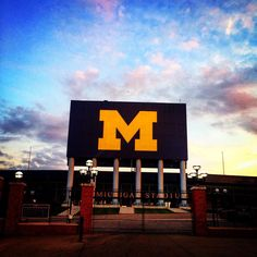 So〽️e places don't even need captions. Best University, University Of Michigan, Michigan Wolverines Football, Go Blue, Captions, Detroit, College, Education, Places