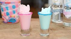 Our French Kiss Shot is made with Rum Chata, Tequila, Whipped Cream, and Grenadine! Cotton Candy Shots Recipe, Cotton Candy Martini, Cotton Candy Drinks, Blue Cotton Candy, Jello Shot Recipes, Alcohol Recipes, Candy Recipes, Jello Shots, Drink Recipes