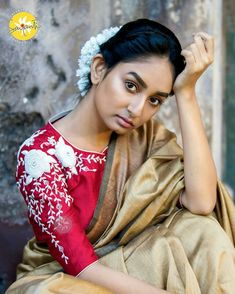Exceptional and Mind Blowing Blouse Designs with Embroidery Sayanti Ghosh Designer Studio Blouse Back Neck Designs, Fancy Blouse Designs, Bridal Blouse Designs, Kurta Designs, Saree Blouse Designs, Blouse Styles, Sari Blouse, Blouse Patterns, Hijab Outfit
