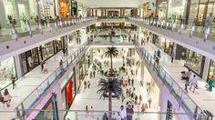 Il Mall di Dubai è il più grande centro commerciale al mondo con più di 1000 negozi.
