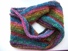 Award-winning creative lifestyle blog featuring the hugely popular free Sockalong sock-knitting tutorials for beginners – let the fun begin!