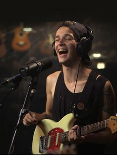 The 1975 is definilty one of my favourite bands right now, and Matt Healy is adorable!