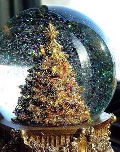 Christmas tree snowglobe. kendrasmiles4u