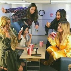 Find images and videos about pretty little liars, pll and ashley benson on We Heart It - the app to get lost in what you love. Caleb Pretty Little Liars, Preety Little Liars, Le Style Shay Mitchell, Little Linda, Pll Memes, Spencer Hastings, Film Serie, Best Shows Ever, Gossip Girl