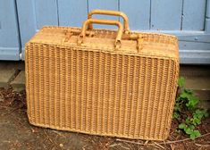 Vintage Wicker Picnic Basket Hamper Suitcase Shape Lined Campervan Accessories, Wicker Picnic Basket, Vintage Home Accessories, Vintage Wallpapers, Fifties Fashion, Egg Cups, Fabric Strips, Hamper, Suitcase