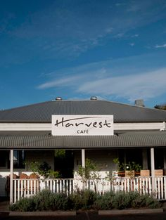 This place is only a 15 minute drive from Byron and is definitely worth the effort - it is one of our favourite places to eat!