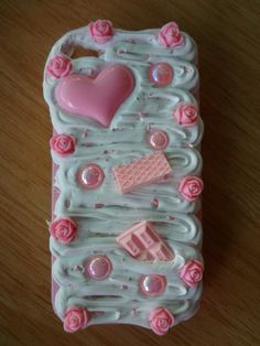 Decoden Whipped Cream Light Pink & White iphone 4 or 5 Case with Sprinkles