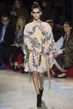 Sacai Fall 2016 Ready-to-Wear Fashion Show