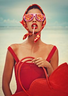 Through its pictorial intensity and pastel colors, this iconic series La Dolce Vita by Elena Iv-skaya represents Italian-style art of living, offering a voluptuous retro atmosphere. Beauty Photography, Creative Photography, Editorial Photography, Fashion Photography, Fashion Foto, Slim Aarons, Foto Instagram, Mannequins, Colorful Fashion