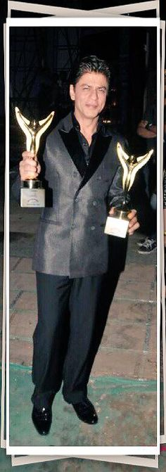 "Shah Rukh Khan with his Stardust  ""Best Actor"" & ""Star Of The Year"" Award"