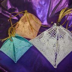 FSL Lacy Pyramid Box - 3 Sizes!