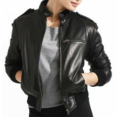 Style jaket bomber casual cocok dipakai buat acara santai. Dengan memakai  jaket kulit bomber casual yang desain modelnya sederhana 3715096b3a