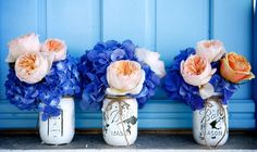 Love this cobalt blue and peach for table decoration