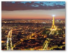 Welkom in Parijs – Bienvenue à Paris, ville de la mode, ville de l'amour! Jaren geleden had ik het geluk de mooie stad Parijs voor de eerste keer te zien. Ik was nog enkele jaartjes jonger en weet nog dat de grote stad overweldigend mooi was. Het was een trip met school waarbij we alle toeristische bezienswaardigheden hebben gezien. Hele dagen slenteren door Parijs, van de ene uithoek naar de andere en weer terug.