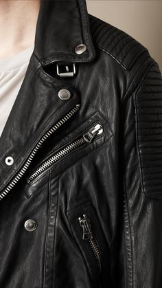 Inspired by Brit Rhythm, the new fragrance for men Cut from washed leather, the authentic biker jacket has a worn-in appearance and subtle lustre. Polished metal press studs, belt buckles and zip detailing embellish the relaxed design, while referencing heritage outerwear.