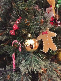 Décorations de Noël à l'office de tourisme de Toulouse / Christmas tree in Toulouse tourist office in France © C. Sabatier - Office de tourisme de Toulouse #visiteztoulouse