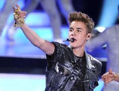 Justin Bieber at Teen Choice Awards #examinercom