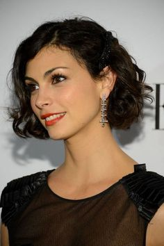 Morena Baccarin at the 2013 ELLE Women in Television celebration. http://beautyeditor.ca/2016/01/22/best-hairstyle-for-fine-thin-curly-hair